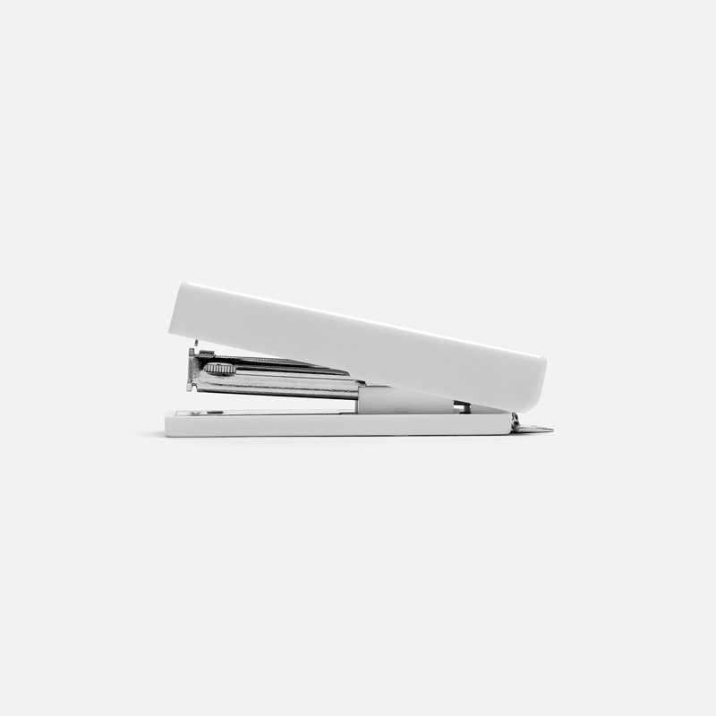stapler-xs-white