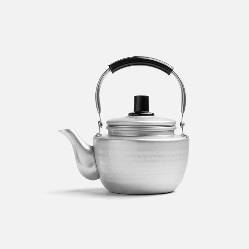 small-hammered-teapot-0-9l