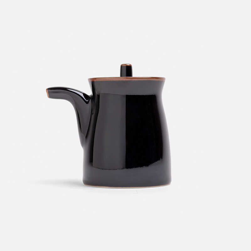 g-type-soy-sauce-pot-black