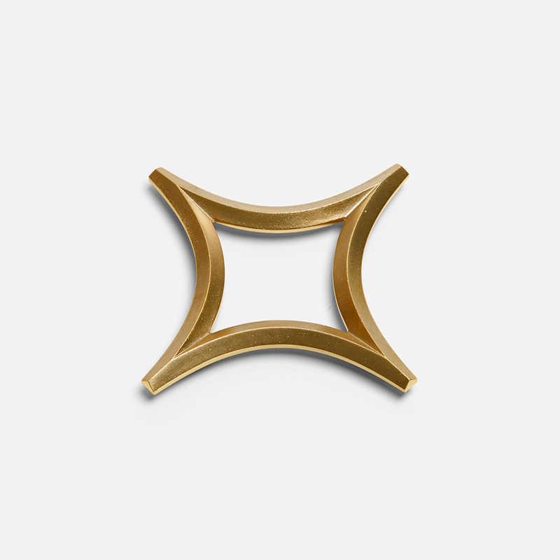 brass-star-trivet