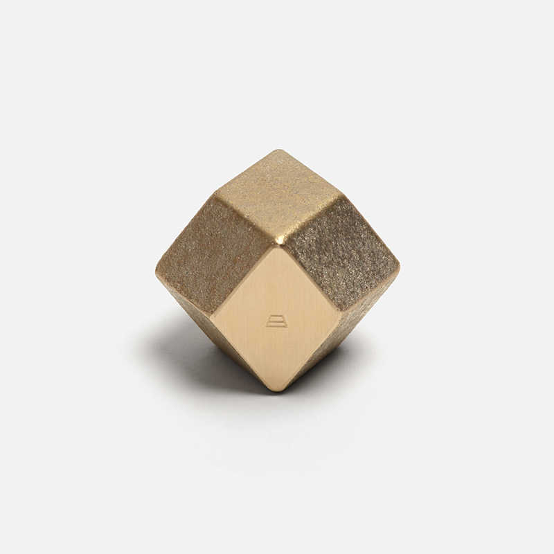 paperweight-rhombus-gold
